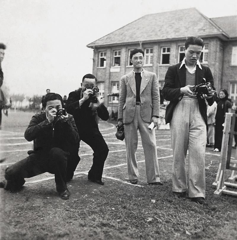 18-1 大学生拍摄同济大学运动会,1930年代中期  金石声 摄.jpg