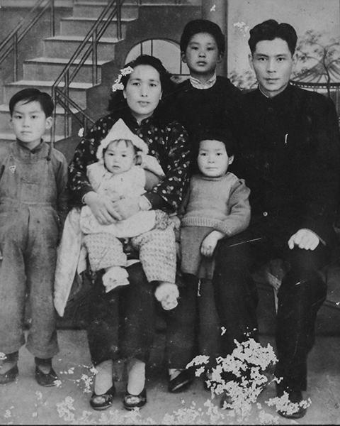 1949年_《全家福》_上海市_龚超原创_13901733535.jpg