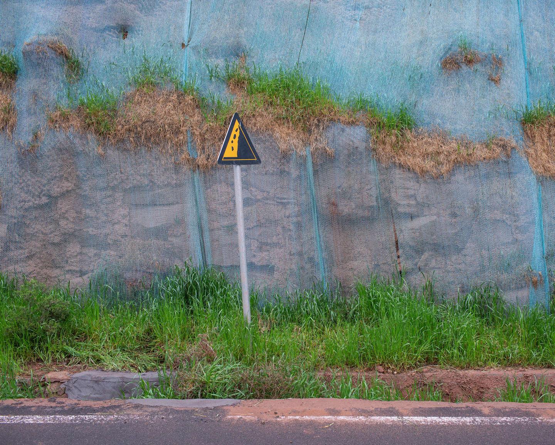 05 防止公路两侧岩石滑落的保护网,《黄河厚土》系列.jpg